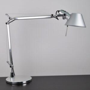 Нюансы выбора настольной офисной лампы